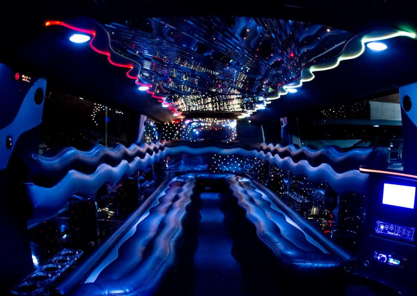 Stretch H2 Hummer Limo - 14 to 18 Passengers Image