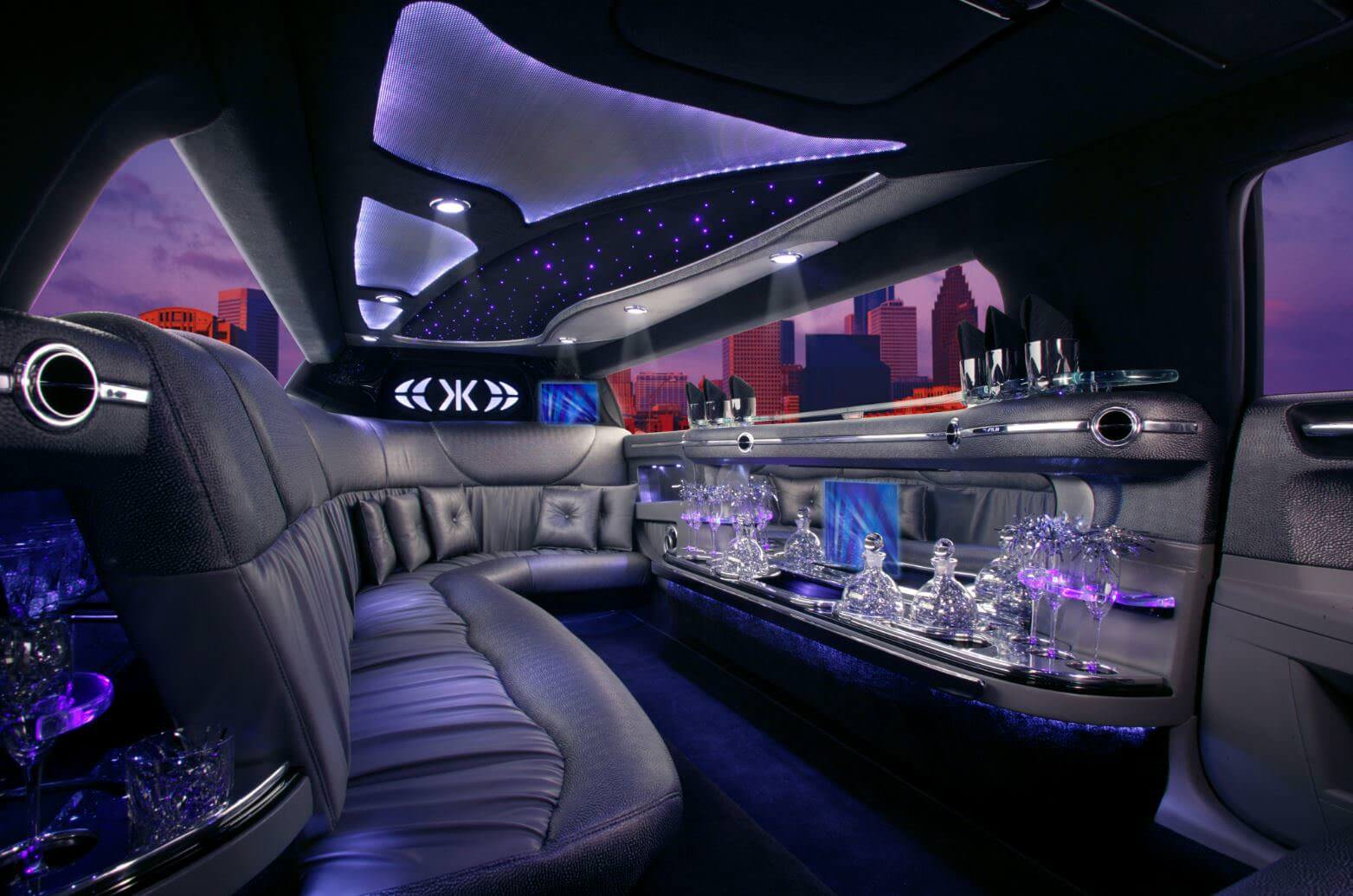 Stretch Limo - 6 Passengers Image