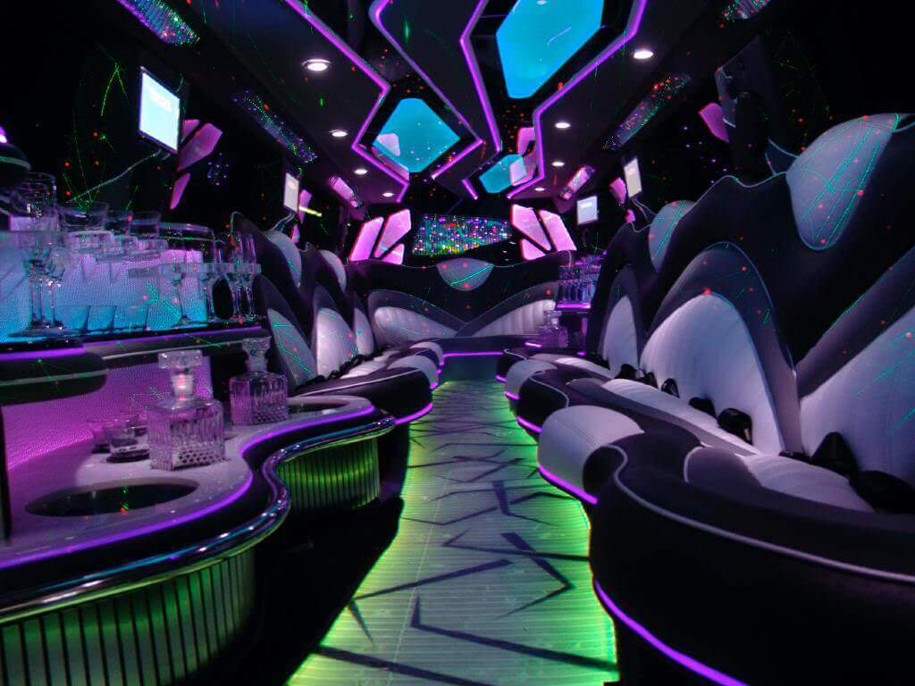 Stretch SUV Limo - 14 Passengers Image