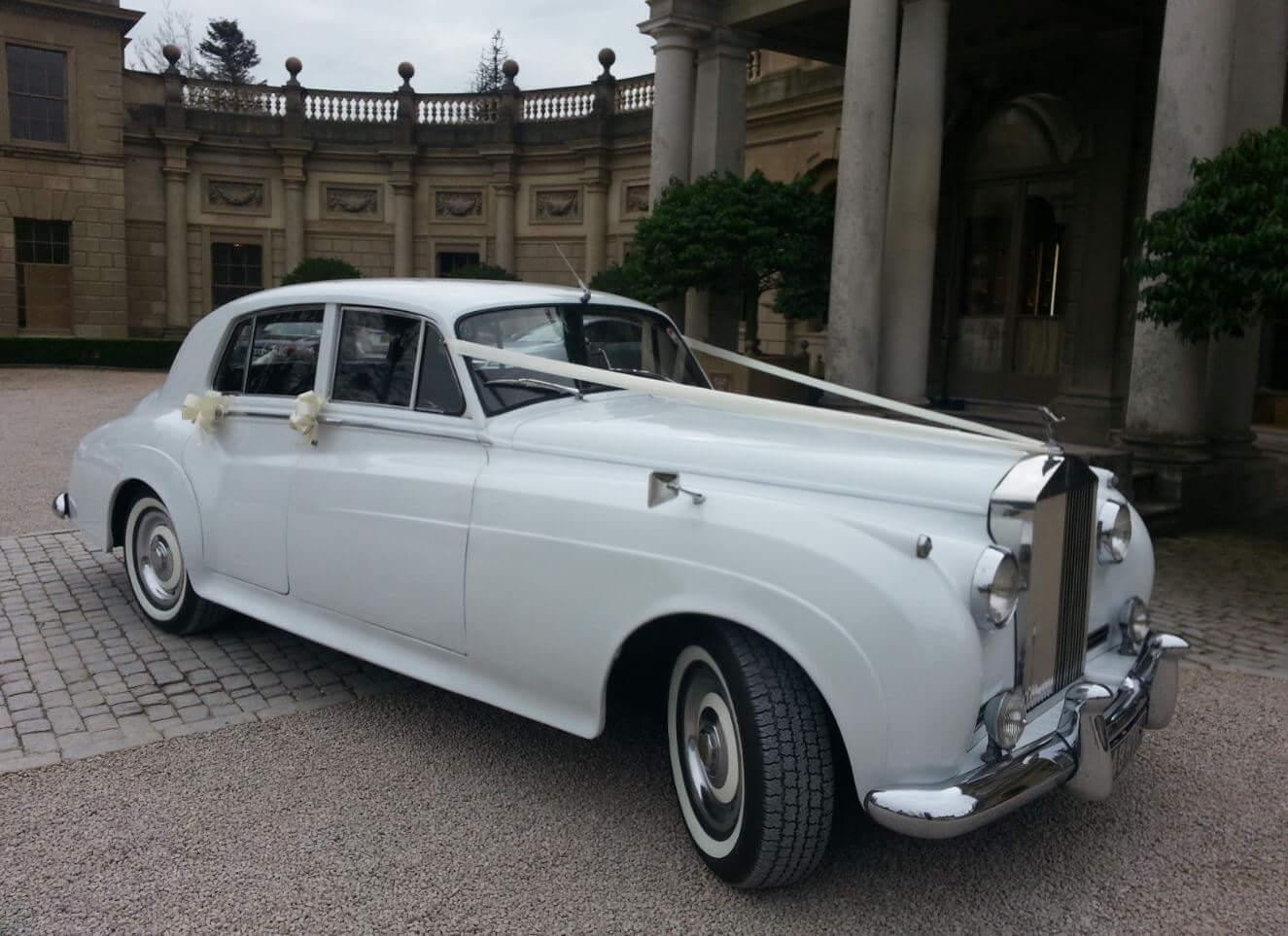 Classic Wedding Car - 2 Passengers Image